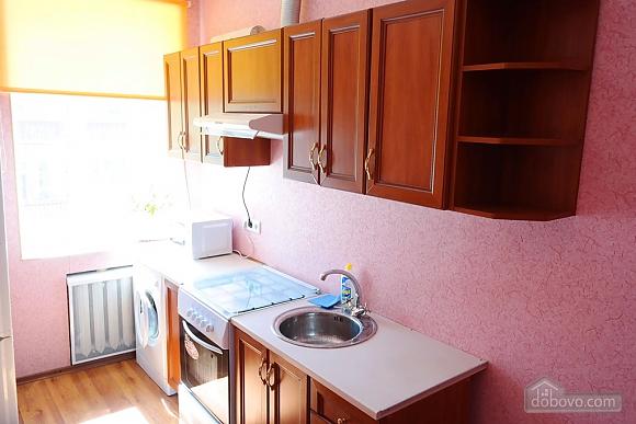 Квартира в центре, 2х-комнатная (15042), 008