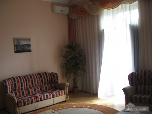 Квартира возле Площади Независимости, 1-комнатная (33710), 004