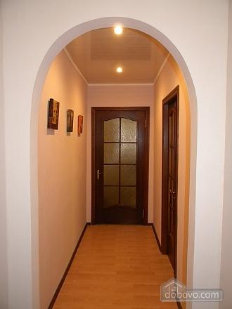 Полу-люкс в центрі, 2-кімнатна (73368), 004