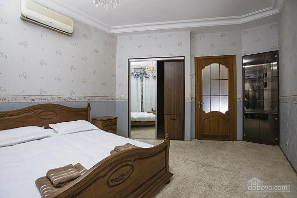 Apartment in the city center, Dreizimmerwohnung (66146), 003