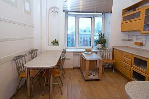 Apartment on Khreschatyk, Dreizimmerwohnung, 002