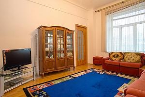 Apartment on Khreschatyk, Dreizimmerwohnung, 001