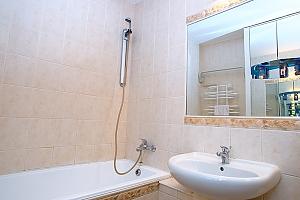 Apartment on Khreschatyk, Dreizimmerwohnung, 008