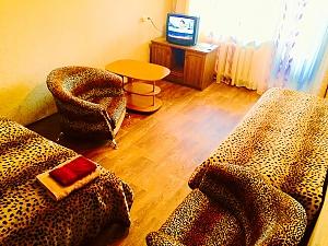 Apartments in the quiet center of Khreshchatyk street - free Wi-Fi, Studio, 001