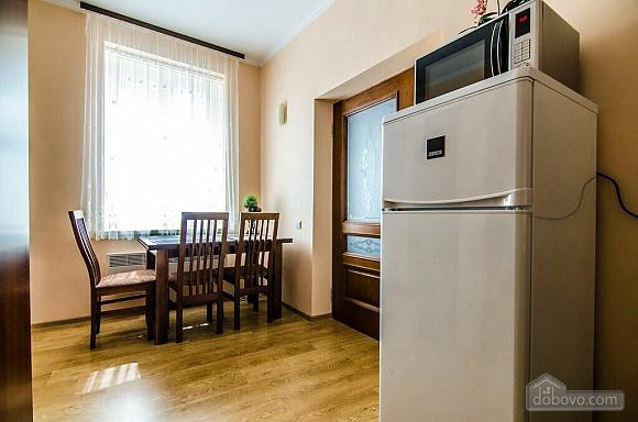 Квартира в центрі, 2-кімнатна (31844), 002