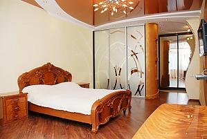 Квартира біля метро Позняки, 1-кімнатна, 001