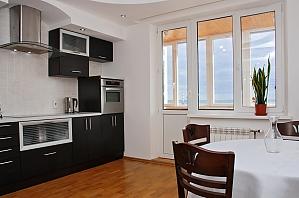 Apartment near Pozniaky metro station, One Bedroom, 002