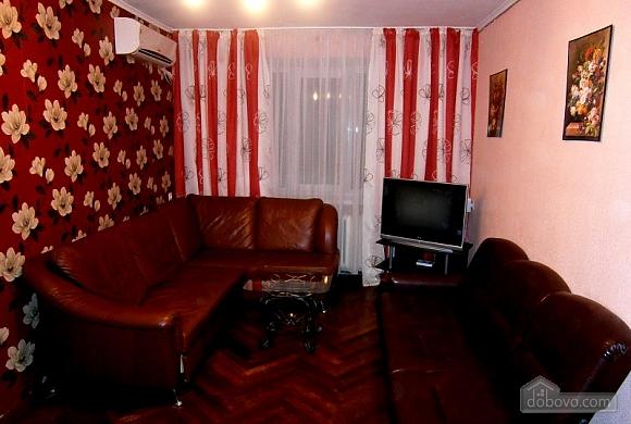 Квартира возле метро Политехнический Институт, 1-комнатная (27761), 001