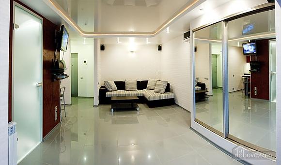 Шикарная квартира на Дворце Спорта, 1-комнатная (67485), 003
