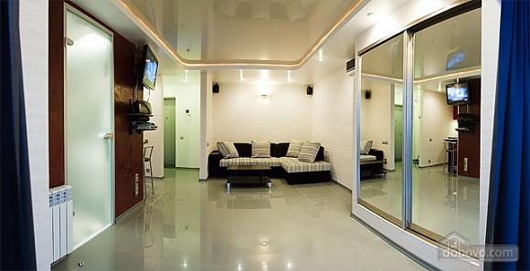 Шикарная квартира на Дворце Спорта, 1-комнатная (67485), 001
