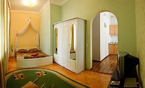 Apartment next to Olimpiyska metro, Studio, 001
