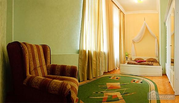 Apartment next to Olimpiyska metro, Studio (22990), 002
