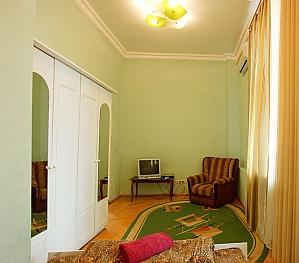 Apartment next to Olimpiyska metro, Studio, 003