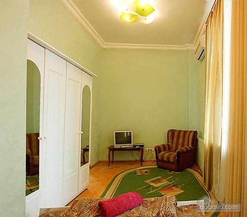 Apartment next to Olimpiyska metro, Studio (22990), 003