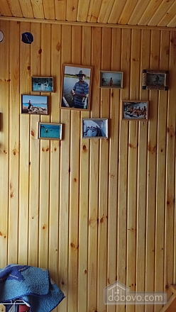 A two-storey hut, Studio (12689), 010