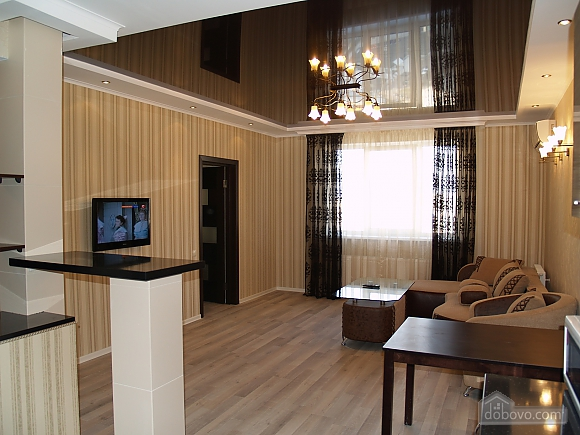 Шикарна квартира з дизайнерським ремонтом, 2-кімнатна (51481), 002
