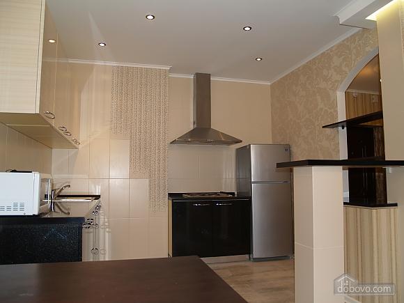 Шикарна квартира з дизайнерським ремонтом, 2-кімнатна (51481), 005