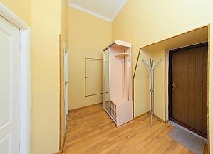 Apartment on Besarabka, One Bedroom, 010