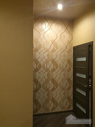 Шикарна квартира з новим сучасним ремонтом і панорамним склінням, 2-кімнатна (33915), 008
