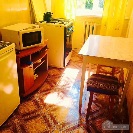 Hot and quiet apartment in the heart of city - cheques - free Wi-Fi, Studio (17431), 003