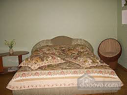 Квартира в центрі з усіма зручностями, 2-кімнатна (68489), 001