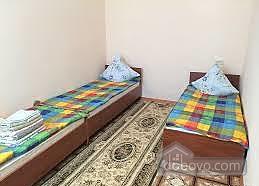 Квартира в центрі з усіма зручностями, 2-кімнатна (68489), 004