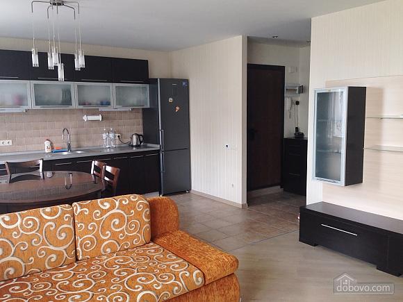 Comfortable apartment near Sviatoshyn metro station, Two Bedroom (38116), 001