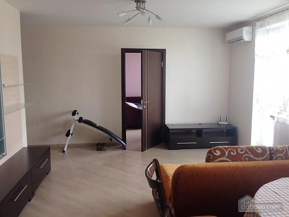 Comfortable apartment near Sviatoshyn metro station, Two Bedroom (38116), 002