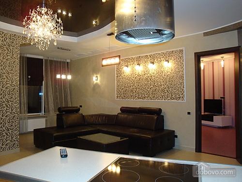 Апартаменти в Мост-Сіті в стилі хай-тек, 2-кімнатна (63955), 002