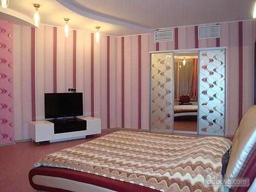 Апартаменти в Мост-Сіті в стилі хай-тек, 2-кімнатна (63955), 005