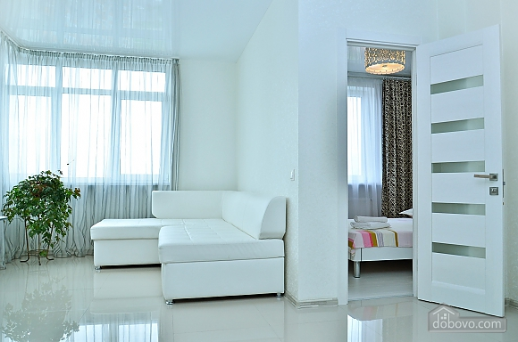 New apartment with Jacuzzi near the center, One Bedroom (93941), 002