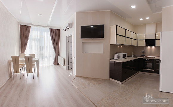 Новая квартира в Аркадии, 2х-комнатная (36600), 002