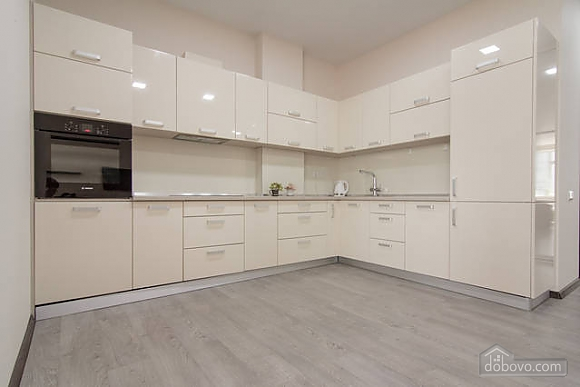 Stylish apartment in Arcadia, Due Camere (98111), 008