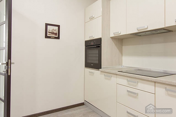 Stylish apartment in Arcadia, Due Camere (98111), 009