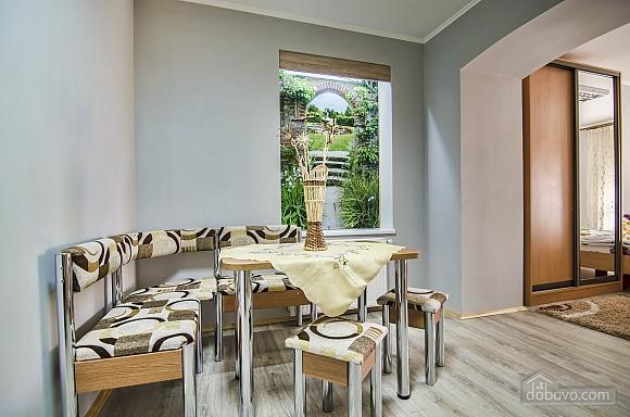 Comfortable apartment in the Staryi Rynok square, Studio (99589), 007