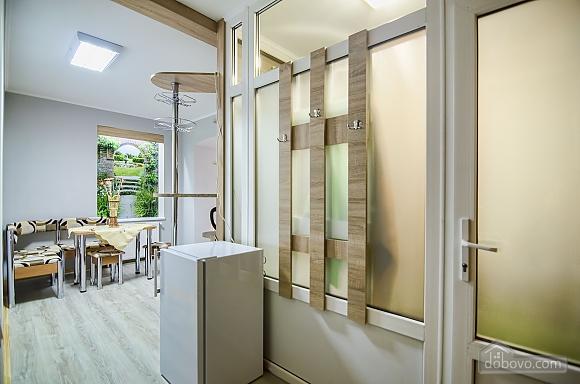 Comfortable apartment in the Staryi Rynok square, Studio (99589), 008