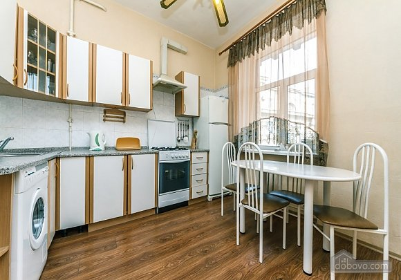 Apartment with view of Kreschatyk, Two Bedroom (33839), 004