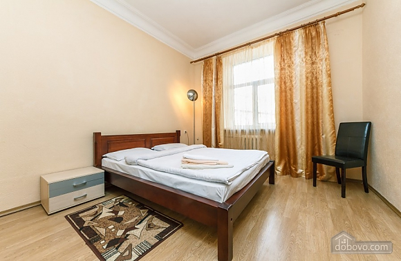 Apartment with view of Kreschatyk, Two Bedroom (33839), 009