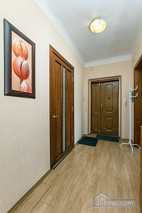 Apartment with view of Kreschatyk, Two Bedroom (33839), 011