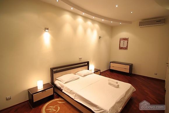Люкс на Хрещатику, 3-кімнатна (21806), 001