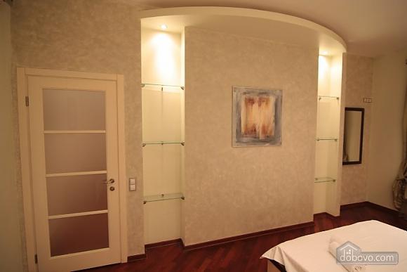 Люкс на Хрещатику, 3-кімнатна (21806), 004