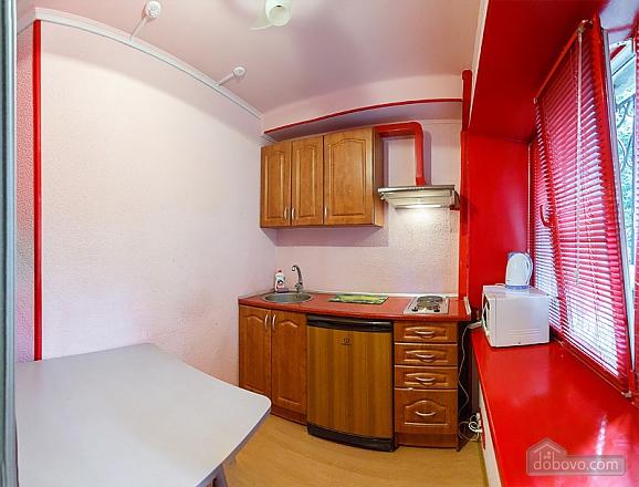 Затишні апартаменти в центрі з новим ремонтом, 2-кімнатна (81850), 006