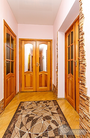 Уютная квартира, 3х-комнатная (70741), 004