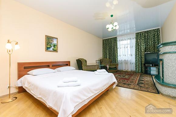 Уютная квартира, 3х-комнатная (70741), 006