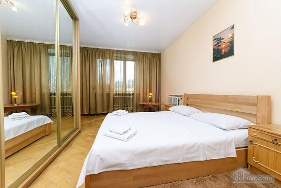 Уютная квартира, 3х-комнатная (70741), 008