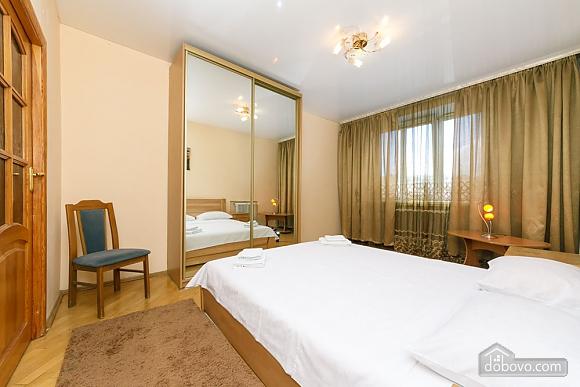 Уютная квартира, 3х-комнатная (70741), 009