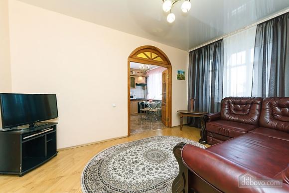 Уютная квартира, 3х-комнатная (70741), 013