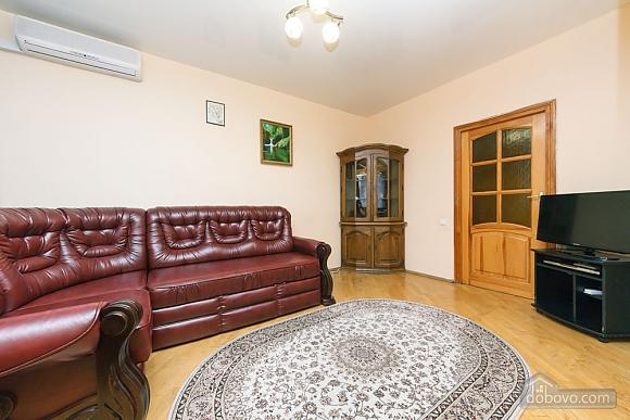 Уютная квартира, 3х-комнатная (70741), 017