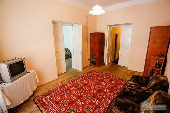 The apartment is five minutes from the Opera House, Dreizimmerwohnung (63814), 003
