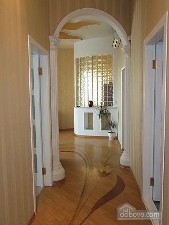 Апартаменты VIP-класса, 4х-комнатная (54843), 010
